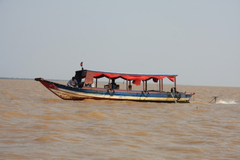 Boat to Tonle Sap lake